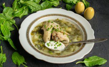 Щавелевый суп с курицей — просто и по-весеннему