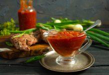 Домашний соус барбекю из консервированных томатов к стейку