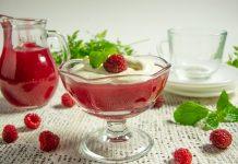 Малиновый кисель со взбитыми сливками — вкусный и простой десерт
