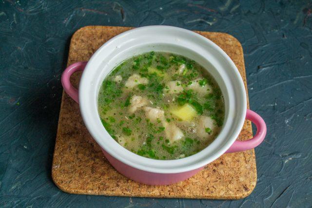 Картофельный суп с фасолью и мясом готов