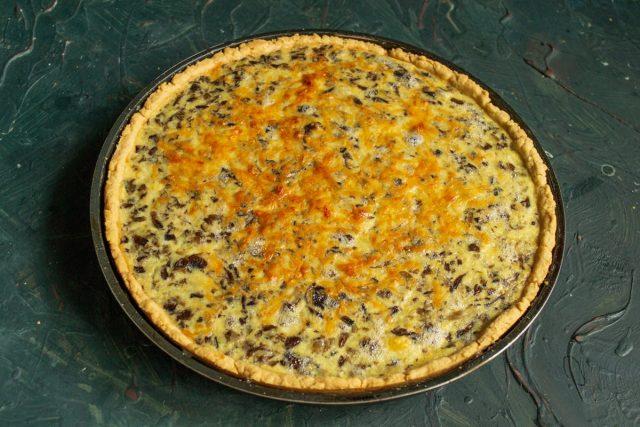 Грибной киш, или песочный пирог с грибами, готов