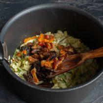 Куриная грудка с кускусом и сухофруктами — блюдо за 30 минут