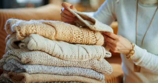 Как защитить шерстяные вещи от моли?