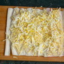 Быстрые пирожки с крабовыми палочками
