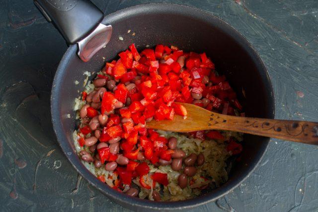 Добавляем сладкий красный перец