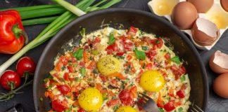 Шакшука, или Израильская яичница с овощами
