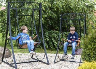 Садовые качели — какие выбрать для комфортного отдыха
