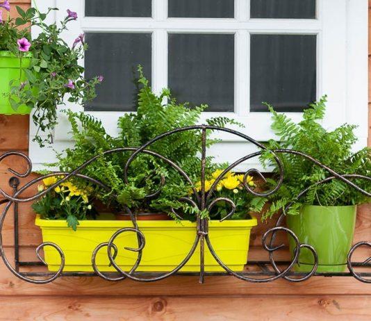 Кронштейны и держатели для цветов на балконе