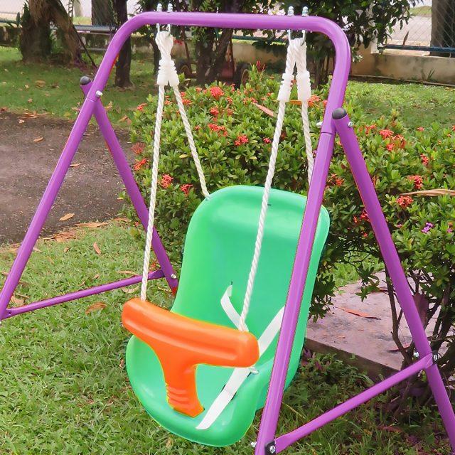 Детские садовые качели для маленьких