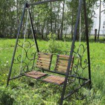 Подвесная скамейка-качели на цепях