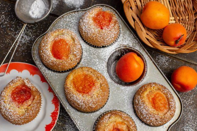 Быстрые кексы с абрикосами