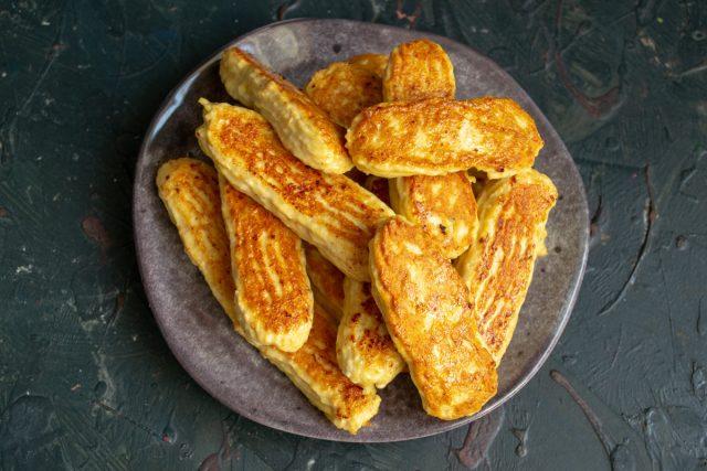 Домашние сосиски из куриного филе готовы