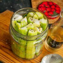 Наливаем яблочный уксус