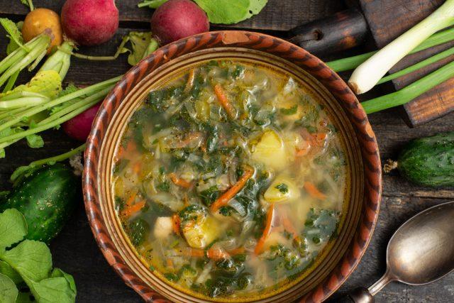 Витаминный суп с крапивой