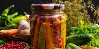 Ассорти из овощей «Огород» с красной смородиной
