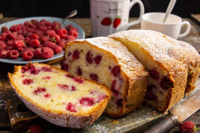 Летний кекс с малиной — нежный и вкусный