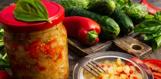 Вкусный салат из переросших огурцов с горчицей на зиму